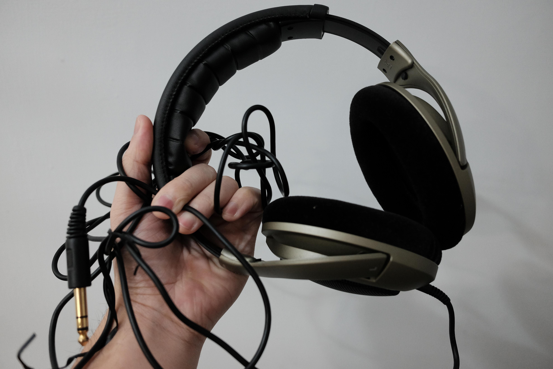 getting rid of headphone u0027s messy and tangled chords u2014 u2014by creatively